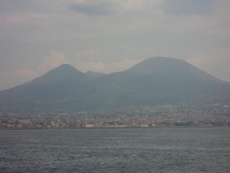 50. Napoli - La poalele Vezuviului.JPG