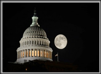 us-capitol-moon-143484577