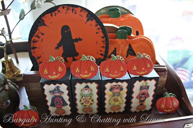 Halloween plates and napkin rings