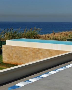 piscina-de-borde-infinito-casa-de-playa