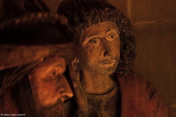 Capella del Sant Sepulcre, 1494, es troba un sarcòfag romà aprofitat al gòtic amb un Crist jacent envoltat de figures representant les tres Maries, Sant Joan Evangelista, Josep d'Arimatea i Nicodem.Catedral de  Santa Maria.Tarragona, Tarragonès, Tarragona