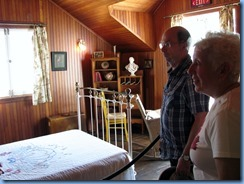 6732 Quebec - Gatineau Park - Mackenzie King Estate - Moorside - The Moorside Cottage - Anne & Jim in the guest bedroom