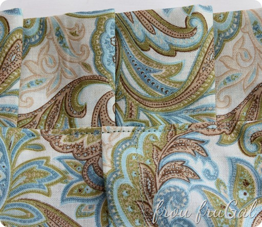 Understitch the Pillow Back Join