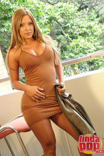 Milena Guzman Striptease Foto 24