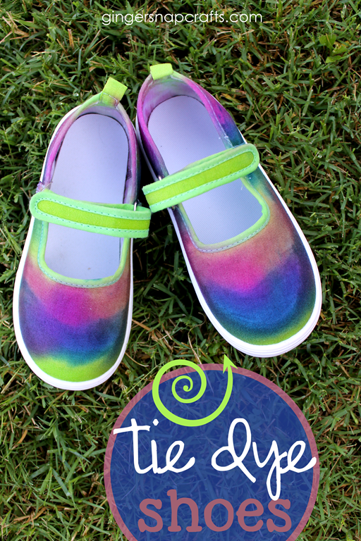 Tie Dye Shoes for #backtoschool at GingerSnapCrafts.com #tiedyeyoursummer #ilovetocreate #tdys #ad