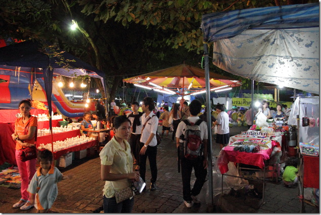 Colourful Bangkok Market during Loi Krathong