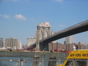 234 - El puente de Brooklin.jpg