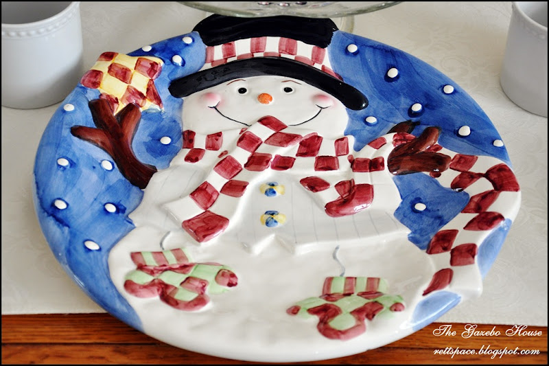 Jan Icey Blue Snowmen Table 025