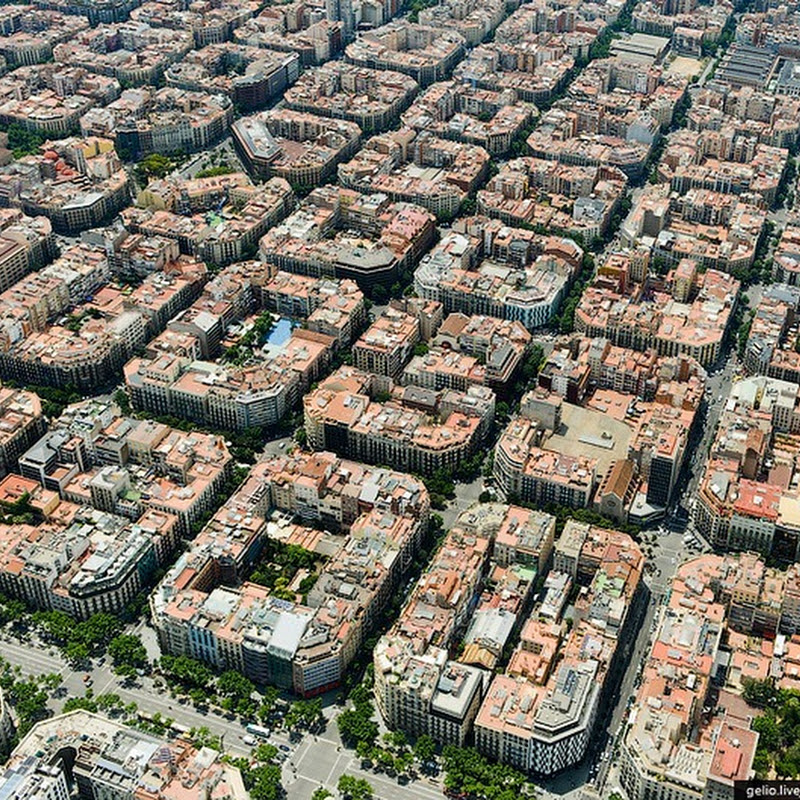The Peculiar Architecture And Design of Eixample, Barcelona