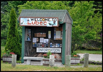 01c - visiting Lubec - information center