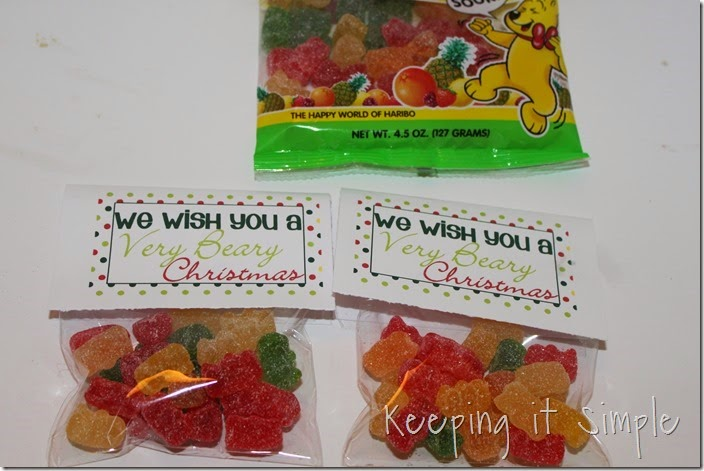 Neighbor gift idea- Sour gummy bears with printable tag (5)