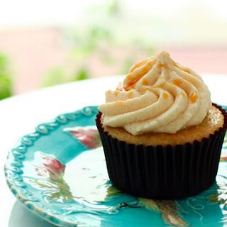 Caramel Banana Cupcakes with Easy Caramel Buttercream.