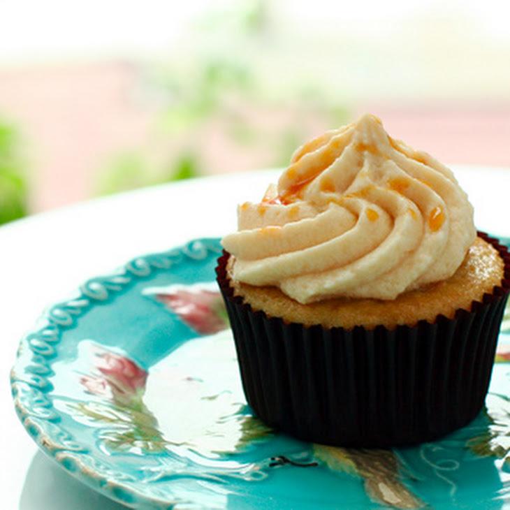Caramel Banana Cupcakes with Easy Caramel Buttercream