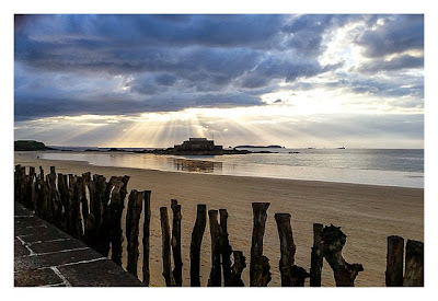 Saint Malo - Geocaching in historischer Kulisse - Fort Nationale in der Sonne