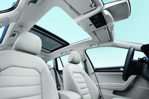 2014-VW-Golf-Variant-16.jpg
