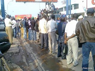 Des habitants de Lubumbashi venus accueillir le président de l'UDPS, Etienne Tshisekedi ce 29/07/2011