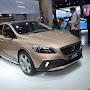 2013-Volvo-V40-Cross-Country-5.jpg