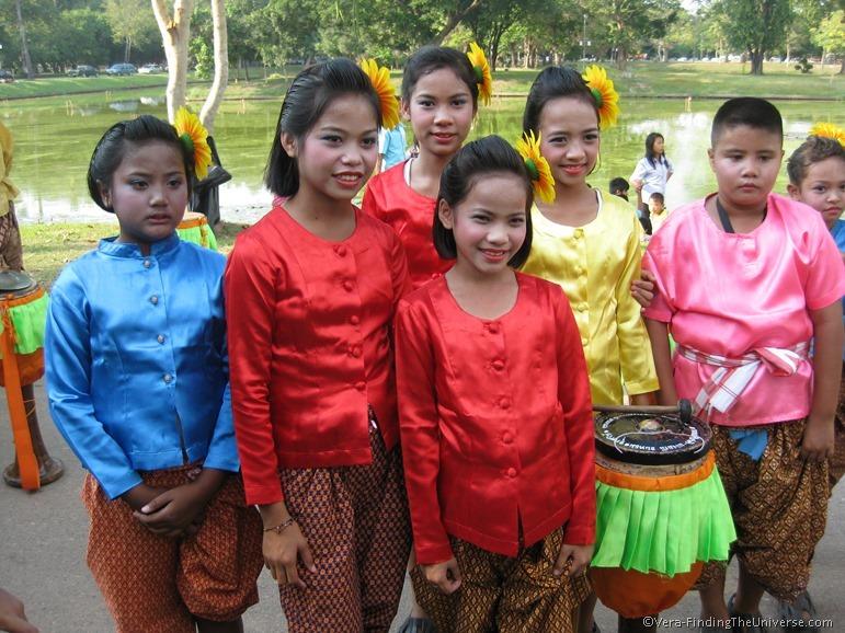 Children at Loi Krathong Parade