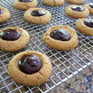Peanut Butter Thumbprint Cookies With Chocolate Filling