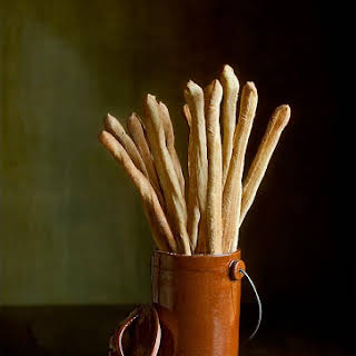 Grissini (Traditional Italian Breadsticks).