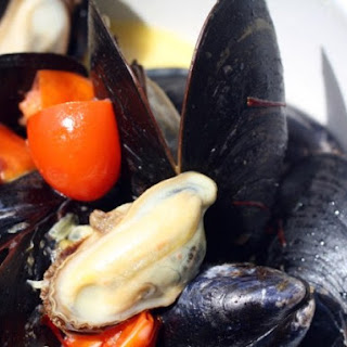 Mussels with Saffron and Tomatoes