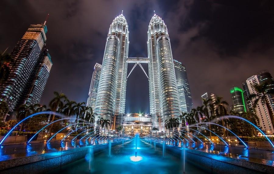 Petronas Twin Tower by Nikon Guy - Buildings & Architecture Other Exteriors ( klcc, skyscraper, petronas, twin tower, kuala lumpur,  )