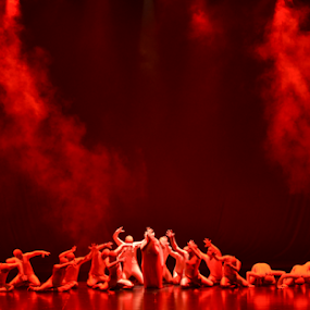 Ballet Purformance by Kavindu Anthony - People Musicians & Entertainers ( modern, stage purformance, purformance, red, rising, ballet, stage, dance )