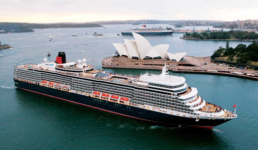 Cunard-Queen-Mary-2-Sydney - Get a close-up view of some of Sydney's most famous landmarks while Queen Elizabeth sails its coast.
