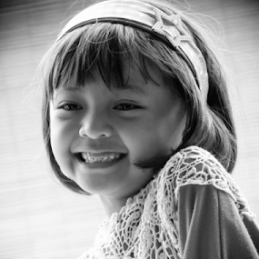 Smiling by Wahyu Jr. Abadi - Black & White Portraits & People ( b&w, black and white, candids, daughter, bw, geghans, children, kids, him, toddlers, people, portrait, surabaya, gea, child, family, indonesia, sons, her, portraits,  )