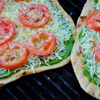 Grilled Pesto Pizzas.