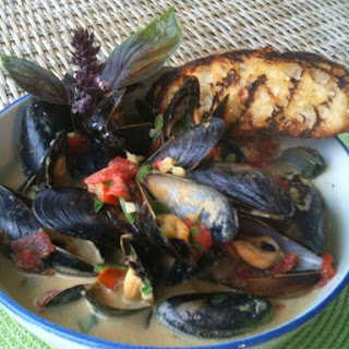 Mussles with curried coconut and basil.
