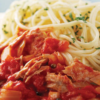 Spaghetti With Tuna, Tomatoes And Peppercorns