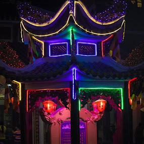 Chùa bà Đen, phải đi lén trong đêm vì sợ chen chúc, ai dè :( đông hơn quân nguyên! by Nguyễn Minh Sang - Buildings & Architecture Architectural Detail