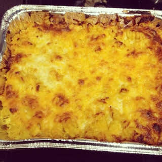 Baked Vegan Mac and Cheese Casserole.