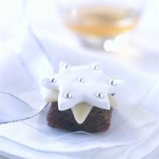 No-bake Mini Christmas Cakes