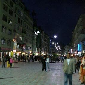 M.G marg by Suvra Roy - City,  Street & Park  Street Scenes ( city, night )