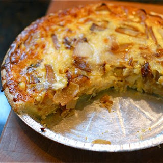 Caramelized Onion Pie for Easter Brunch {Powernap}.