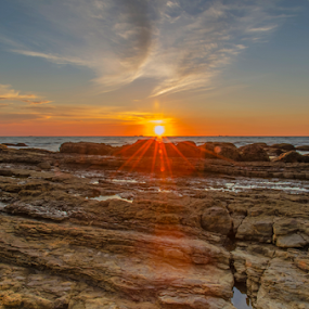 ray of hope when the sun goes down by Andrian Andrew - Novices Only Landscapes ( sunset, beautiful, beach, evening, sun )