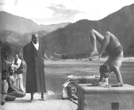 The 12 Basic Postures - Sivananda Yoga Vedanta Centres & Ashrams - Google Arts & Culture