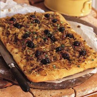 Onion Confit Pizza (Pissaladière)
