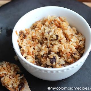Arroz con Coco Titoté (Rice with Coconut and Raisins)