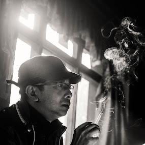 Thinking by Nguyen Kien - Black & White Portraits & People ( thinking, black and white, tibet, smoke, man,  )