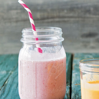 Banana-Strawberry-Almond Smoothie Recipe