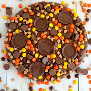 Ultimate REESE'S Brownie Pizza