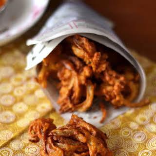 Onion Pakoras (Fritters).