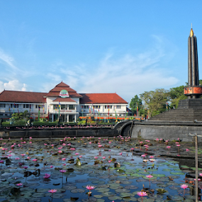Tugu Malang by Herry Wibowo - Buildings & Architecture Public & Historical
