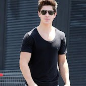 David Henrie Wallpaper