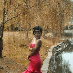 by Dody Surman - People Fashion