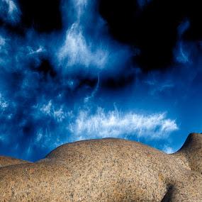 Final destination by Tom Mehlum - Buildings & Architecture Statues & Monuments ( child, sculpture, heaven, vigeland park, oslo, baby, norway )