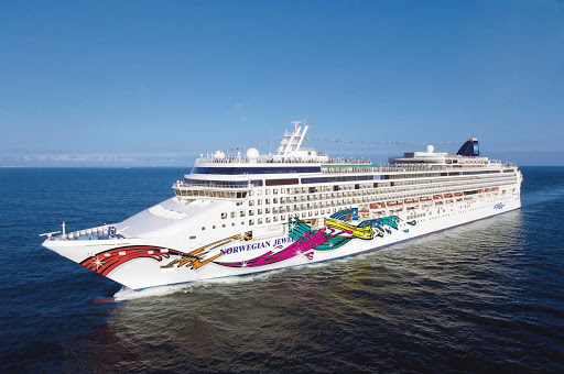 Norwegian-Jewel-at-sea - Norwegian Jewel now cruises to Alaska and the South Pacific.